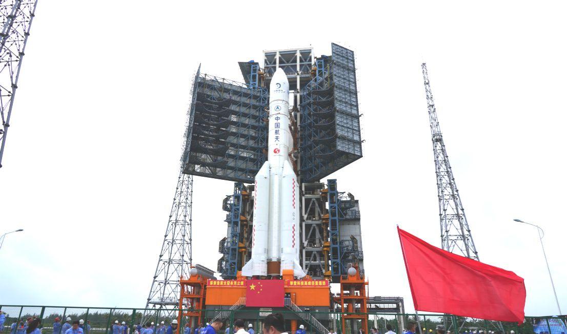 Китай отправился собирать грунт на Луне