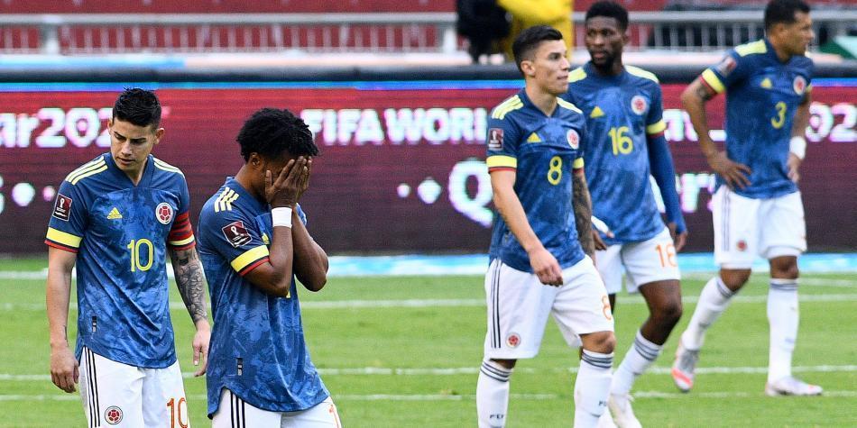 ⚠️ No paran las versiones sobre la crisis que se habría desatado en el vestuario de la Selección Colombia. ¿Son James y Lerma el corazón de la pelea? Le contamos 👉 https://t.co/IxmvhRPCw9 https://t.co/kusxyCsH14