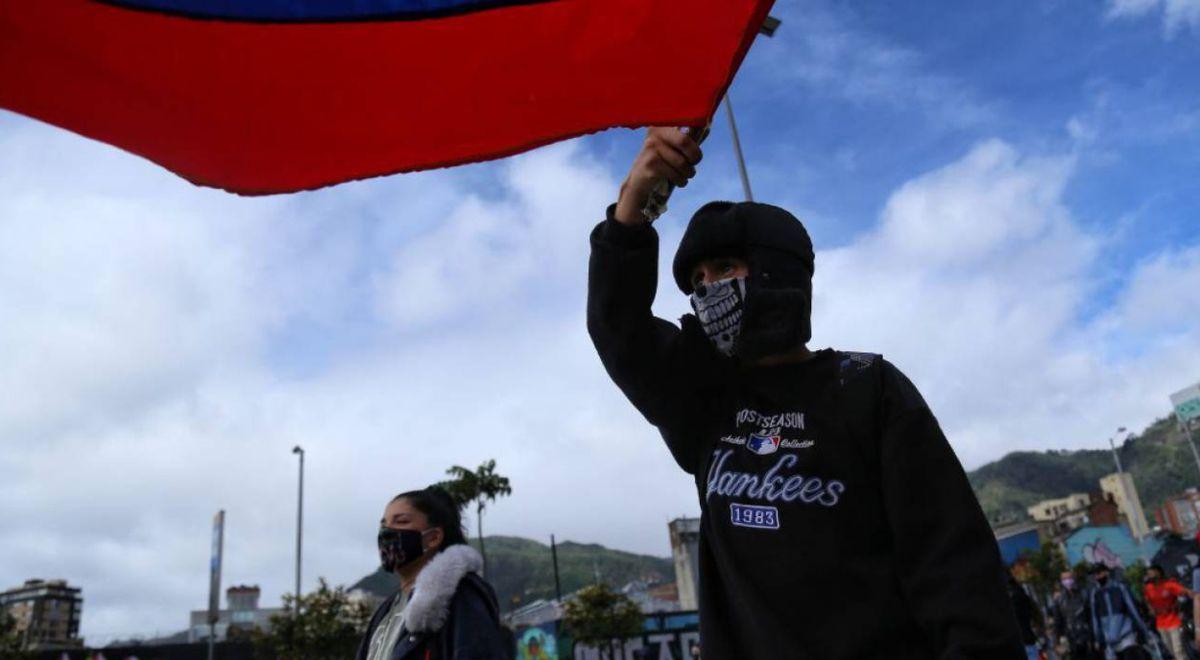 Paro Nacional EN VIVO: manifestantes avanzan de forma pacífica por calles de Bogotá https://t.co/cO1CPRCgMl #Mundo https://t.co/K26MULc4sB