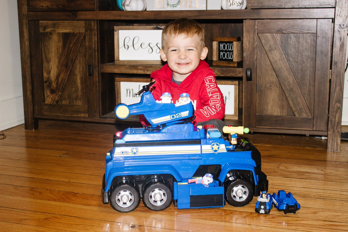 (ad) @PAWPatrol Chase's 5-in-1 Ultimate Cruiser has been a hit with Colton and will be a hit with your kiddo! They will be on the road to epic rescues just like the pups in the show! Click below to learn more! @SpinMaster #PAWPatrol #SpinMaster #IC  https://t.co/fLmvhdxik3 https://t.co/UO4Hq3sWbo