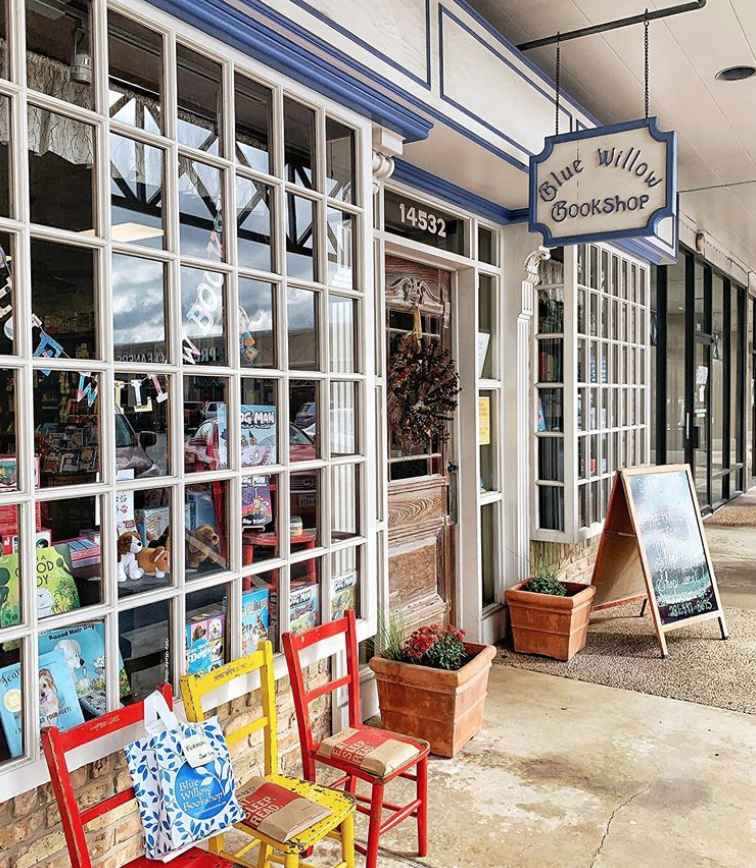 Now featuring @BlueWillowBooks in Houston! Support them this holiday season by shopping with them directly! 📚❤️🎁  #ShopIndie #ShopLocal #ShopEarly