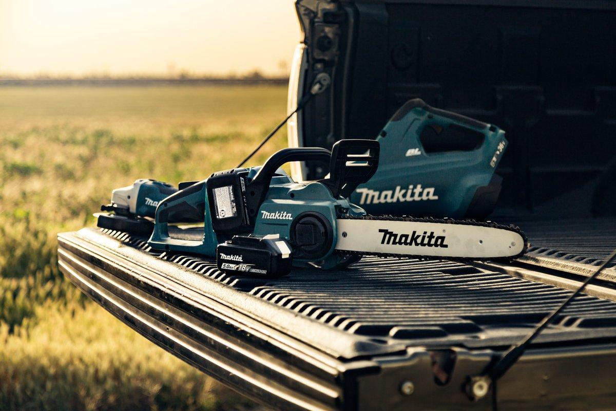 No cords, no gas, no problem out here on the ranch.   #makitausa #makitatools #xbu02 #xcu03 #xag03 #lxtadvantage #farmandranch #ruletheoutdoors