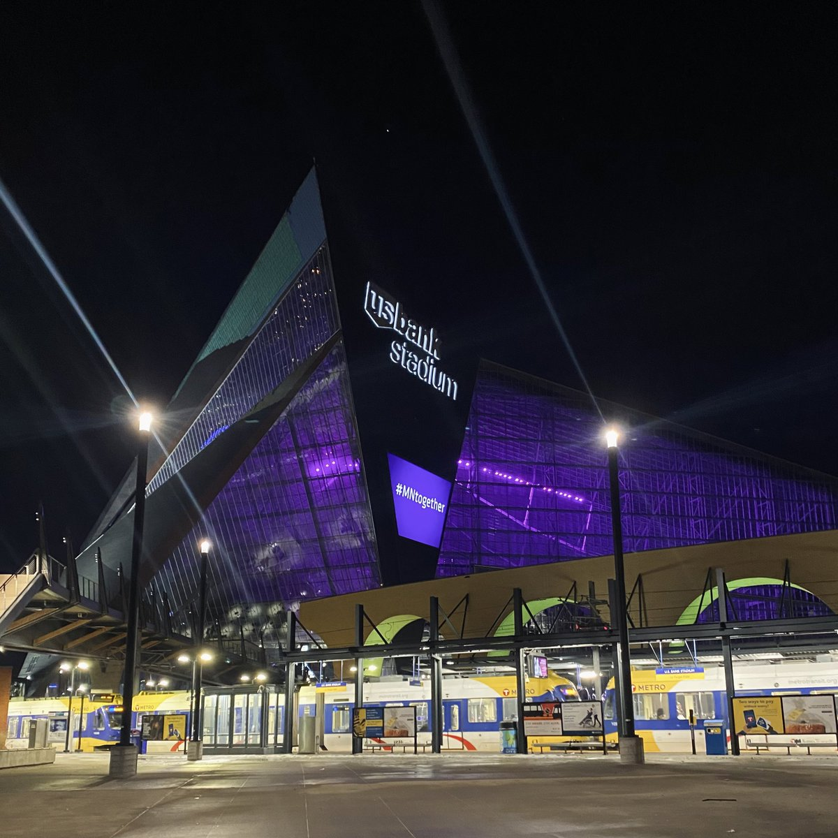 We light purple tonight to remember those who have lost their lives to COVID-19 and to thank the frontline workers fighting the pandemic. 💜 #MNtogether