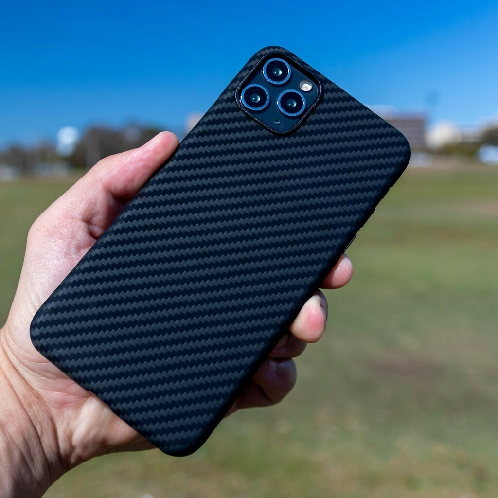 A beautiful day calls for a beautiful case! ☀️ What do you think of the twill pattern on our AraMag cases? • #purcarbon #aramag #aramidfiber #kevlar #carbonkevlar #carbonfibereverything #carbonfiber #carbonfiberwrap #carbonfibergang #carbonfiberper… https://t.co/C1gQi6IK0S https://t.co/hNgEjSj5c9