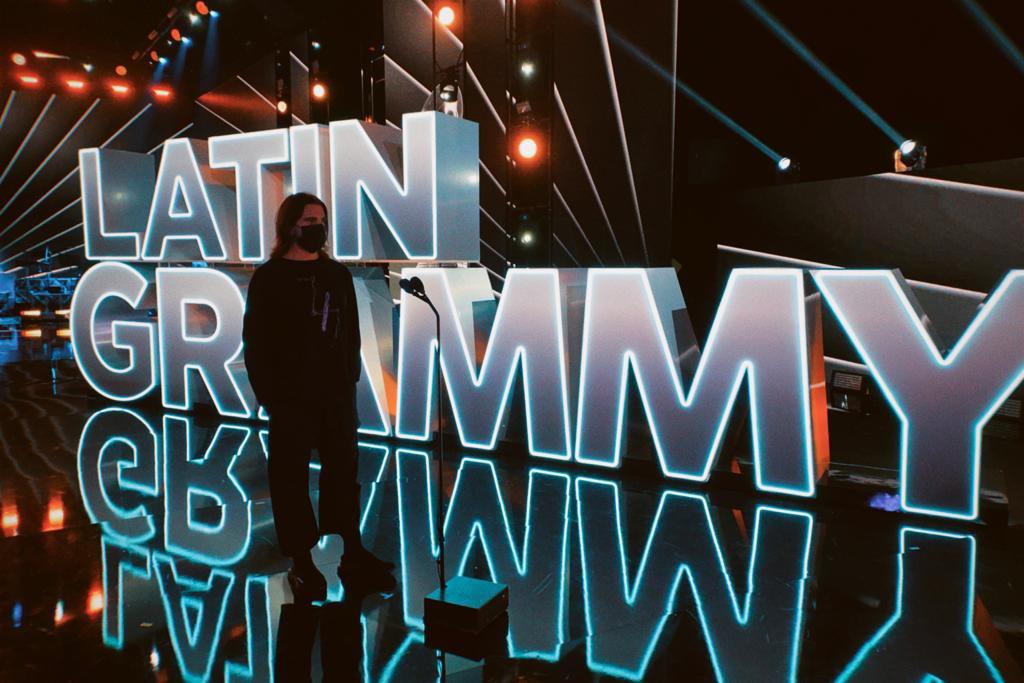 Hoy tocamos en los @LatinGRAMMYs 🔥🔥🔥 Emocionado por la noche de hoy!