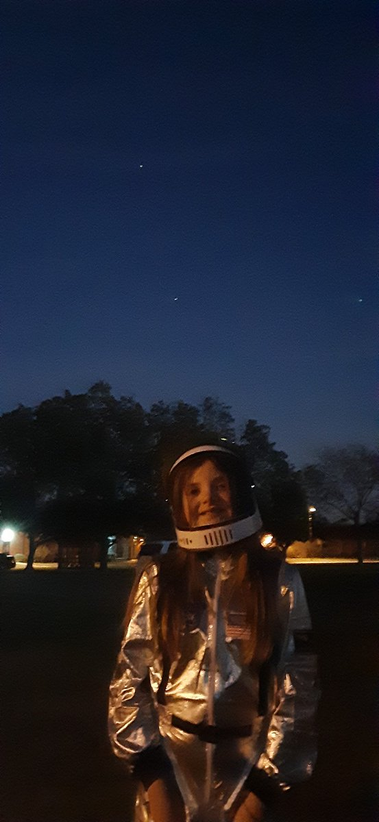 @NASASTEM @Space_Station @AstroVicGlover @Astro_illini Future Mission Commander Katherine Savage in Hampton Roads Virginia as the ISS does a flyover https://t.co/LB7y7JSZEj