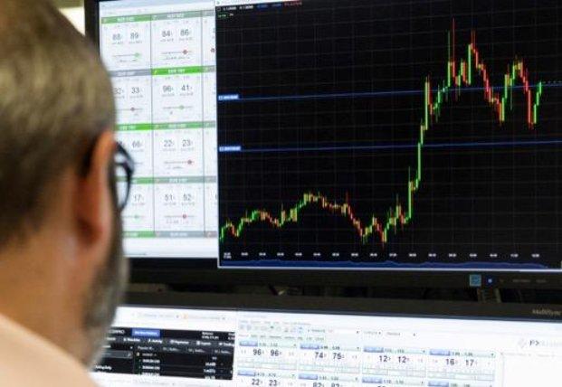 今日のマーケットレポートです。ようやく米国の景気対策に関する報道が流れてきました。米金利への影響に注目です。ドル円とユーロドルのチャートポイントについてまとめました。お時間のある時にご覧ください。 👉https://t.co/nDARYEFDTW  #FX #USDJPY #EURUSD #為替 #ドル円 #ユーロドル https://t.co/Ogpo883hKy
