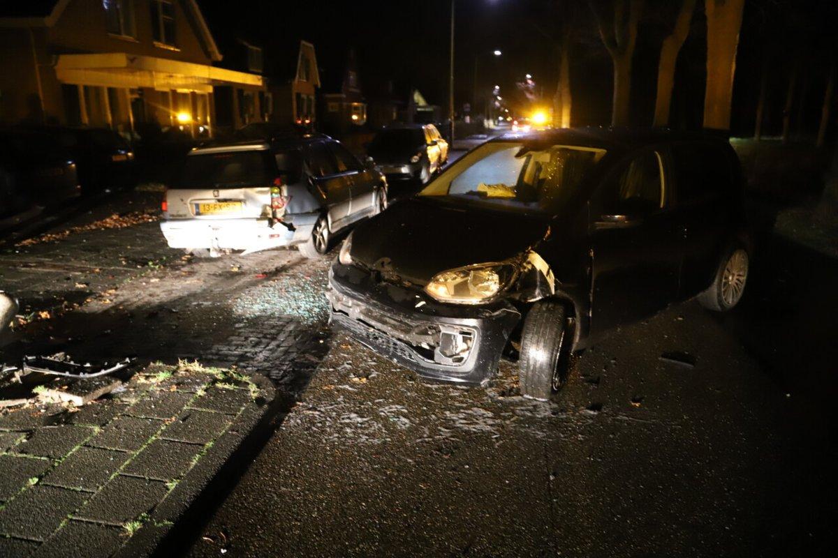 Veel schade bij verkeersongeval in Bakkeveen - #Friesland -..