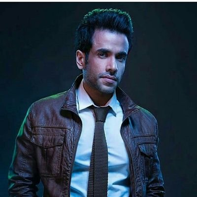 Wish you a Happy Birthday to a very Very Handsome & Dashing @TusshKapoor 🎂🎂. Always be Happy, Stay healthy & Keep Shine like that. Stay home & be safe 😊😊. Thanks for giving us a Blockbuster Movie. Lots of love ❤️❤️ #TussharKapoor #HappyBirthdayTussharKapoor #HBDTussharKapoor