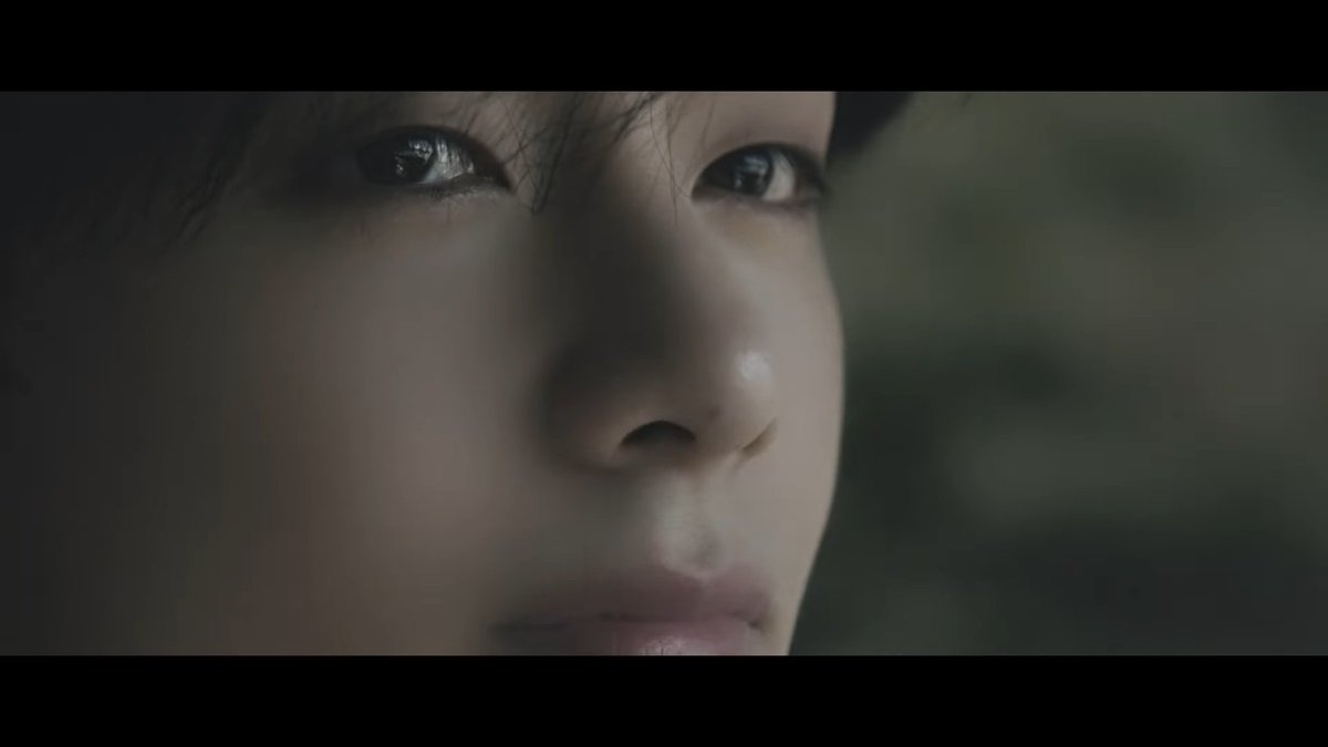 TAEHYUNG LOOKING AT THE GOCHEOK SKY DOME.. I LITERALLY HEARD MY HEART SHATTER AND FALL APART  #LifeGoesOnWithBTS #LifeGoesOn @BTS_twt https://t.co/FL0Pz4FlLi