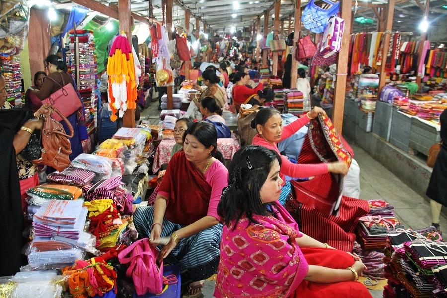 400 years old Manipur' s all women market, Nupi Keithel is the befitting example of women empowerment in Northeast India.  #women  #ArtistOnTwitter  @AlPallavi @PoojaB1972 @NBirenSingh @TheUrgeToWander @PropitiousOn3O