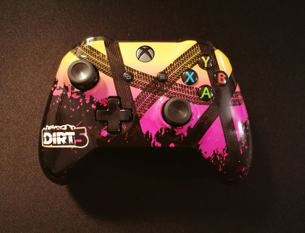 🎮 DIRT 5 GIVEAWAY 🎮    Our friends at @Xbox have given us this amazing custom DIRT 5 controller. Wanna get your hands on it? 🤲   ✅ Retweet this post, and @ someone you want to play #DIRT5 with!   Contest ends Monday, November 23   Ts & Cs |