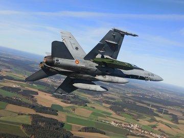 F18 إسبانية مسلحة بالصاروخ الجوال taurus EnQWy1EXIAAwjec?format=jpg&name=360x360