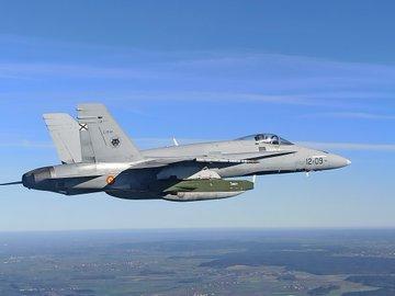 F18 إسبانية مسلحة بالصاروخ الجوال taurus EnQWzLcW4AAcT3V?format=jpg&name=360x360
