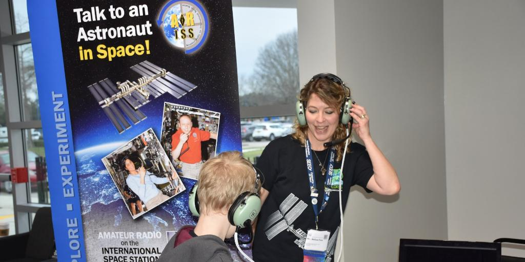 Does your school have an amateur radio club? Submit a proposal to take part in an @ARISS_status contact with the @Space_Station! 🔊🎙️🧑🏼🚀  Don't miss this chance for your students to talk to @NASA_Astronauts in space. Proposals are due Nov. 24.  https://t.co/Nr0W7xEHOU https://t.co/GOuFLPw1TS