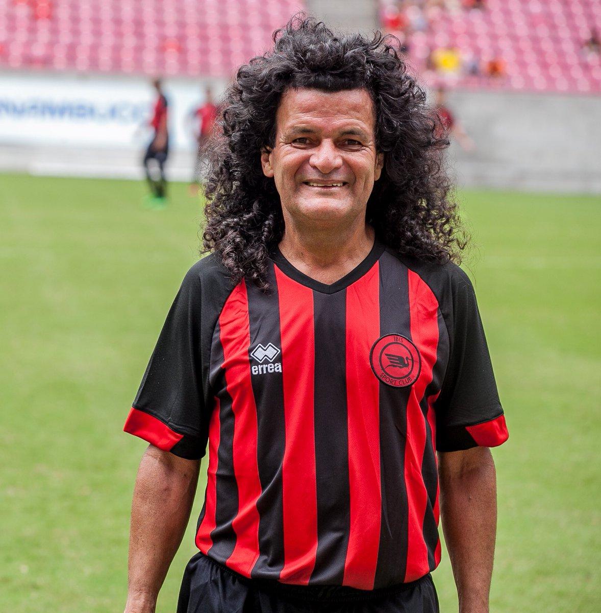 Replying to @ibismania: Hoje é aniversário da maior lenda da história do futebol.  Parabéns, Mauro Shampoo! #Ídolo