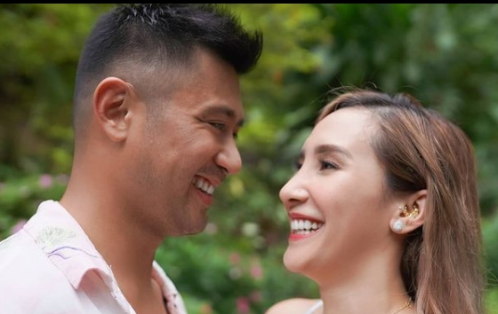 Rocco Nacino & Melissa Gohing Are Engaged https://t.co/Ew8LqVkE8H  #RoccoNacino  #MelissaGohing https://t.co/kbgCMo83Bb
