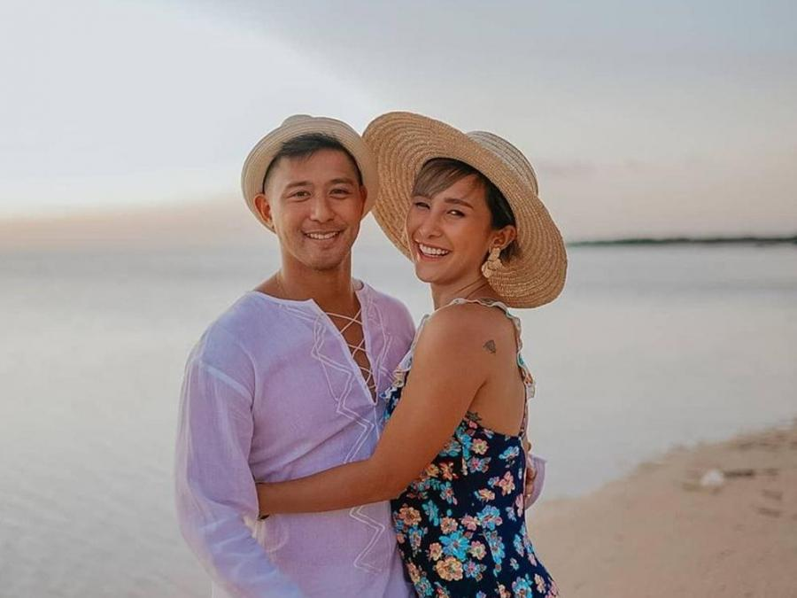 JUST IN: Rocco Nacino and Melissa Gohing are now engaged! https://t.co/CBdwCtvEm3 https://t.co/UbPMF0kXdJ