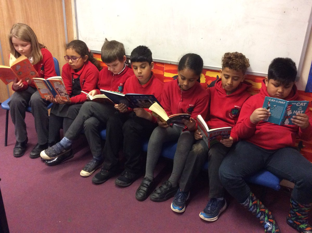 @MarcusRashford  We think reading is cool too!  If you're ever in Cardiff & want to share book/story, let us know!😊
