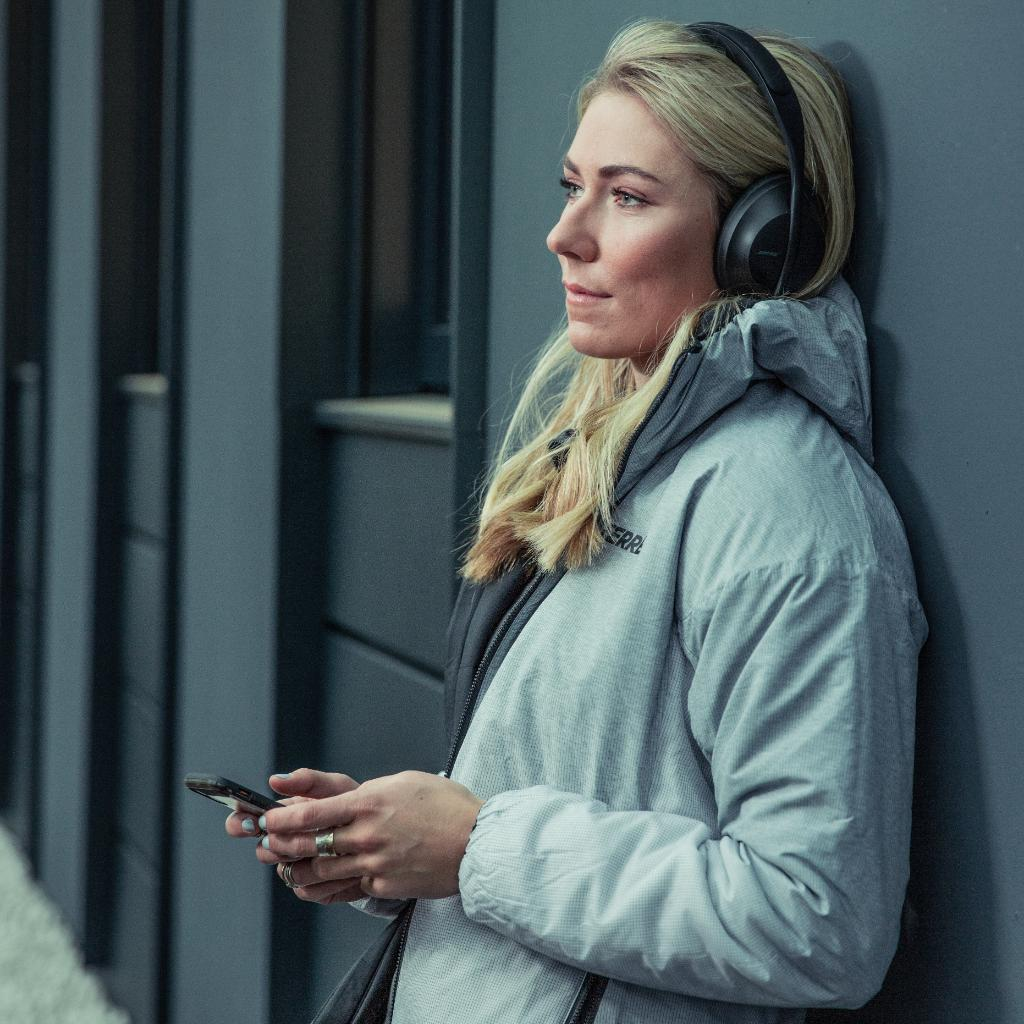Good luck to #TeamBose skier @MikaelaShiffrin on returning to @fisalpine this weekend. We missed you! #BoseHeadphones