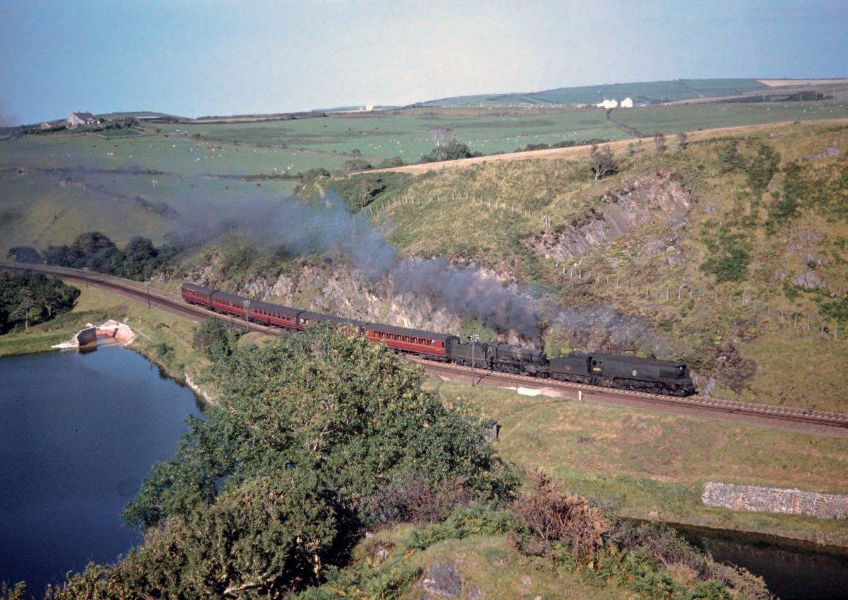 EnRdRTWW4AENf7x?format=jpg&name=medium - Trains no more across the River Taw #5