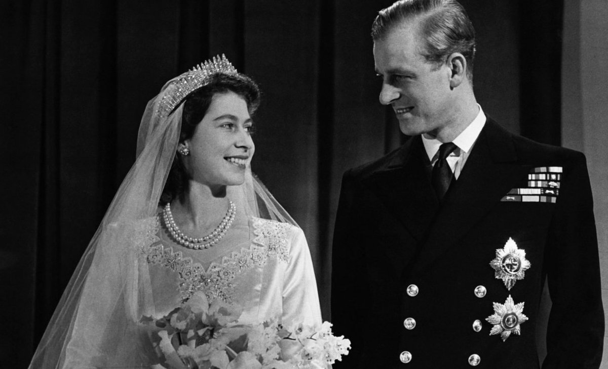 """The Telegraph on Twitter: """"Queen Elizabeth II and Prince Philip on their wedding day in 1947 https://t.co/EBVVjuwqn5… """""""