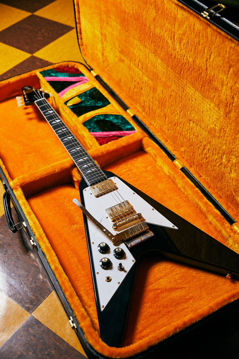 In 1969, @JimiHendrix custom-ordered a left-handed Gibson Flying V directly from Gibson. Used during the Band of Gypsys era, the following year Hendrix's Gibson Flying V was made forever famous during his performance at the Isle of Wight Festival at Afton Downs on August 31, 1970