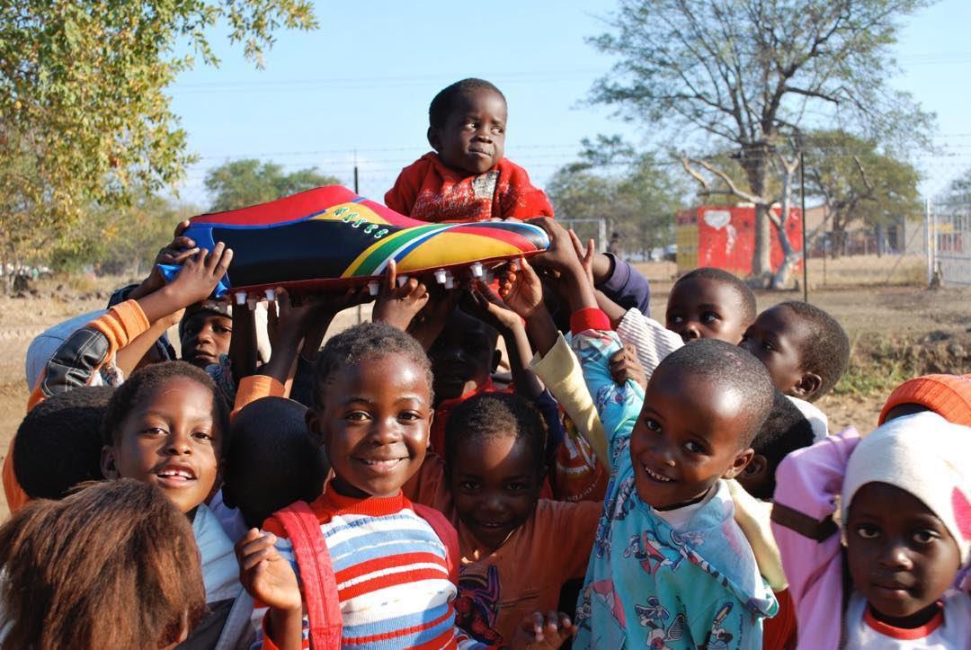 Happy World Children's Day 🙏🏼  #OneTeam #BigShoe