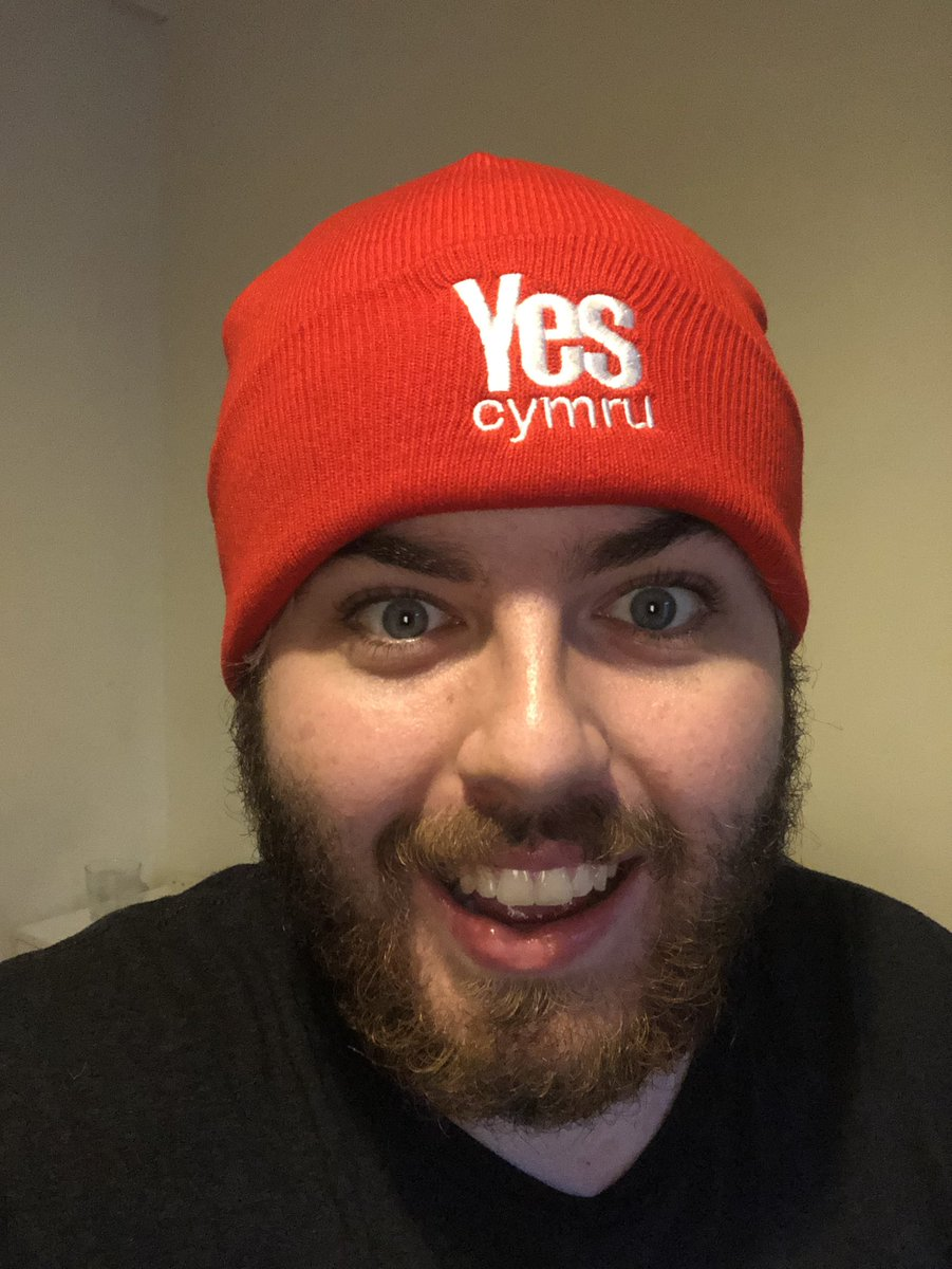Obsessed with my new hat yes I am! #INDYWALES please x #Annibyniaeth plis x