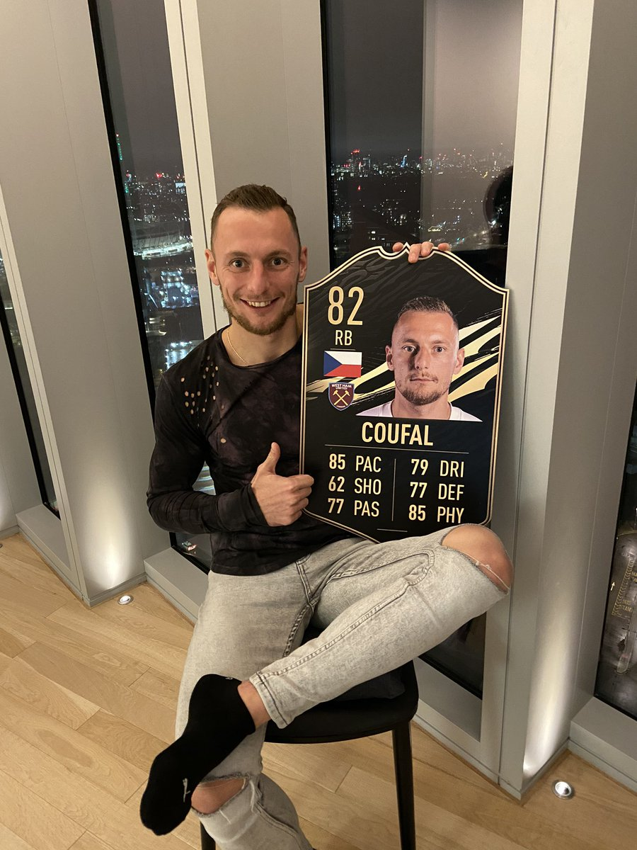 Thank you @EASPORTSFIFA for my own ultimate card 🇨🇿⚒#️⃣5️⃣ https://t.co/A0mkpyvH1k