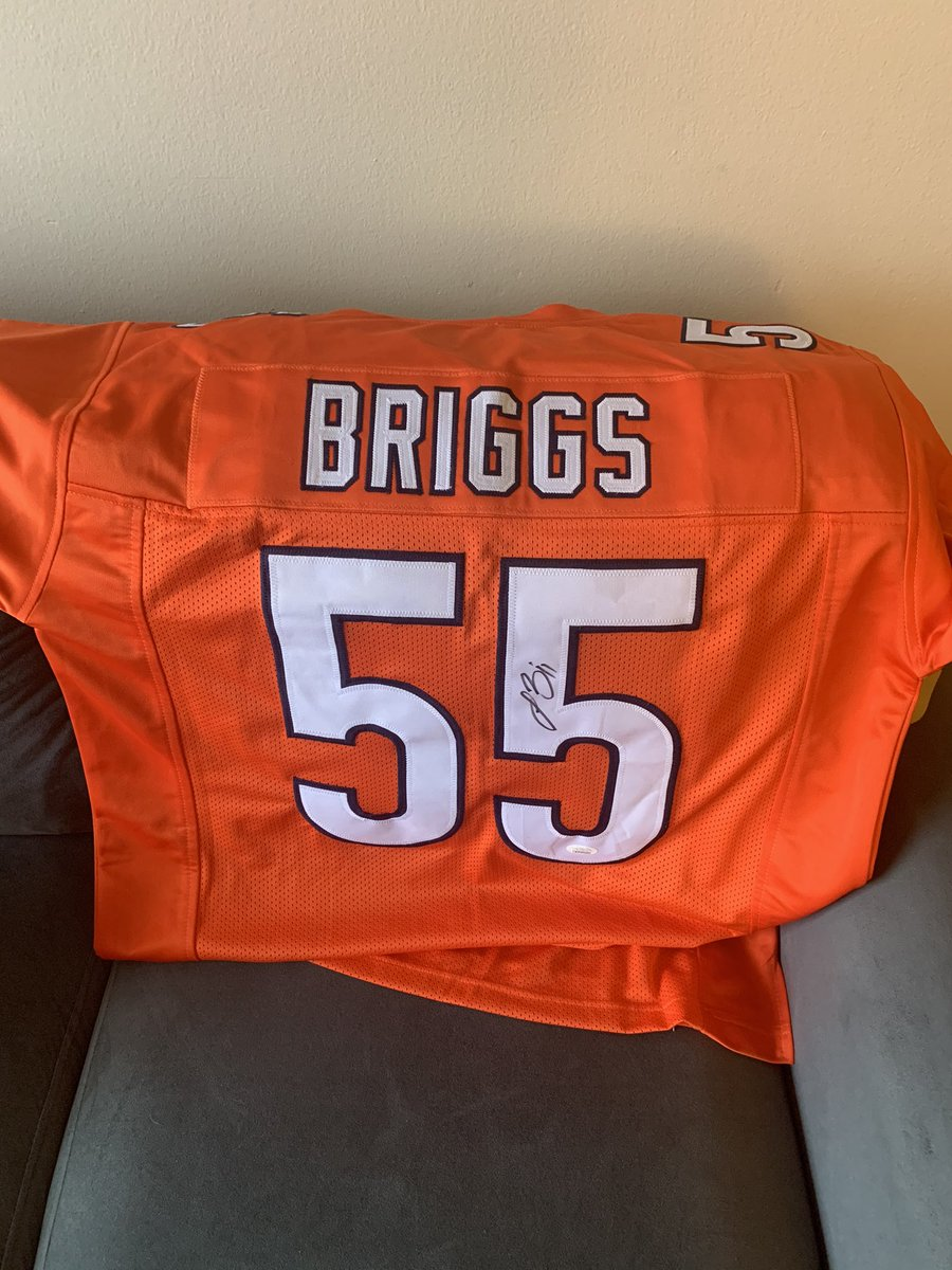 Aight Bears fans someone take this signed Briggs jersey off my hands before I use it as a doormat