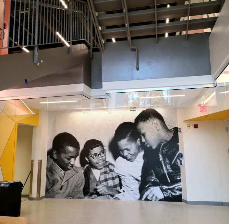 Awesome new graphics in the <a target='_blank' href='http://twitter.com/DHMiddleAPS'>@DHMiddleAPS</a> addition showcase the four students who integrated Stratford Junior High on Feb. 2, 1959.    <a target='_blank' href='http://search.twitter.com/search?q=StratfordProject'><a target='_blank' href='https://twitter.com/hashtag/StratfordProject?src=hash'>#StratfordProject</a></a> <a target='_blank' href='http://twitter.com/EllenSmithAPS'>@EllenSmithAPS</a> <a target='_blank' href='http://twitter.com/DHMSLib'>@DHMSLib</a> <a target='_blank' href='http://twitter.com/APSVirginia'>@APSVirginia</a> <a target='_blank' href='http://twitter.com/ArlingtonVA'>@ArlingtonVA</a> <a target='_blank' href='https://t.co/dXmnHnmAUT'>https://t.co/dXmnHnmAUT</a>