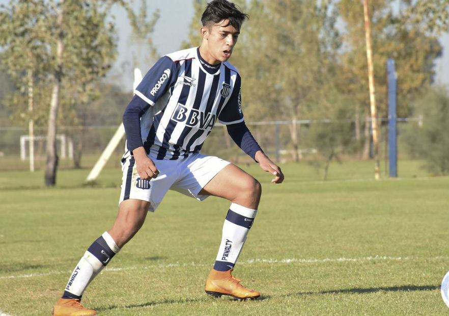 Uno más para Gustavo Quinteros: Pablo Solari, promesa de Talleres de Córdoba, llega a reforzar a Colo Colo. https://t.co/mewZATUcWR https://t.co/UpnwupCHw3