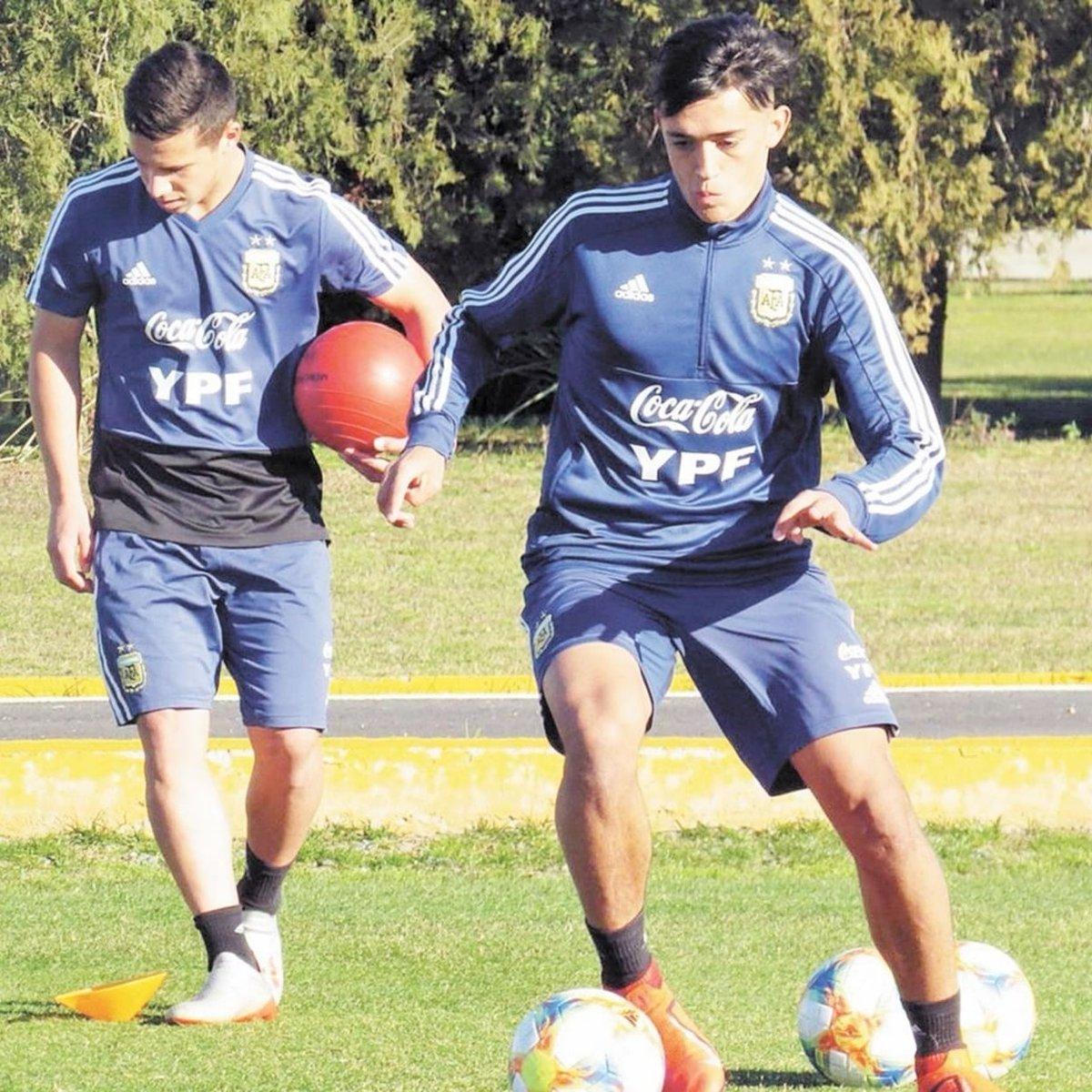 🚨Colo Colo fichó al juvenil Pablo Solari. *️⃣El delantero, que jugó Sub 20 con la Selección Argentina, llega de Talleres. *️⃣Va cedido hasta 31/01/2021 con chances de extender hasta 31/12. Hay opción de compra por el 50%. *️⃣Lo llevan como apuesta a futuro. https://t.co/xeRrKBbV6s