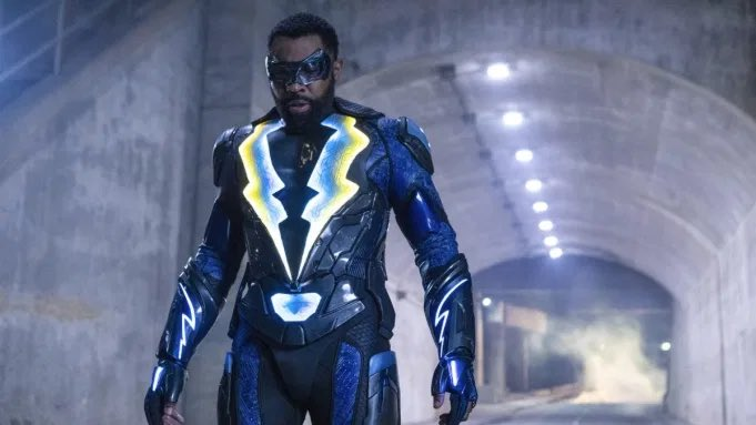 Replying to @DiscussingFilm: 'BLACK LIGHTNING' is set to end after Season 4 on The CW.  (Source: @TheCW)