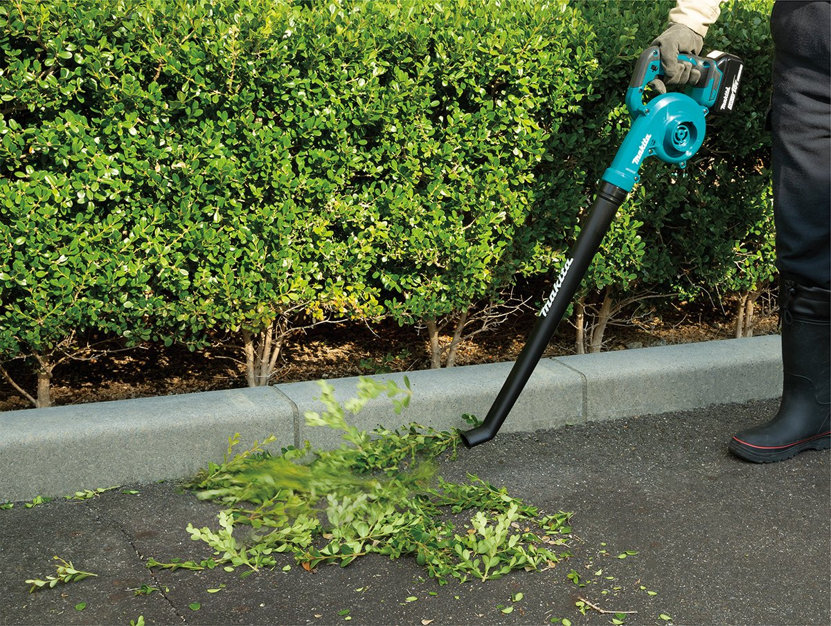 The 18V LXT Blower is designed for quick clean-ups! This compact blower features an extended pipe to direct air closer to the ground, making it ideal for outdoor clean-ups.    #makitausa #makitatools #blower #xbu06 #lxtadvantage #cleanup #ruletheoutdoors