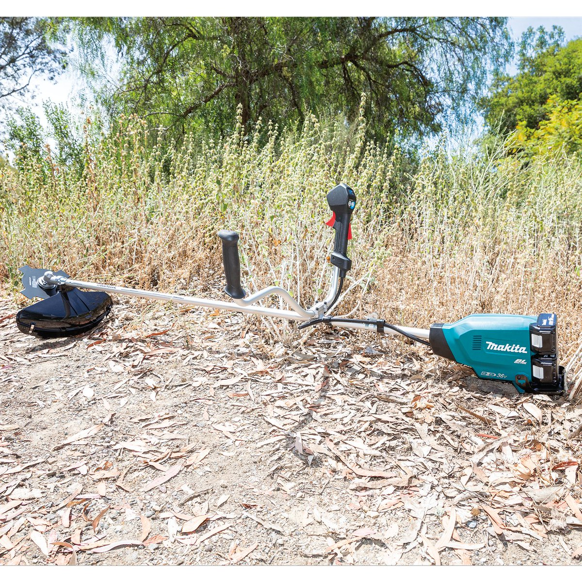 The 18V X2 (36V) LXT Brushless Brush Cutter clears tall grass, weeds and brush. It has the power of a 30cc gas #brushcutter, w/o the hassles of gas. The bike handle offers improved grip and ergonomics.  #makitausa #makitatools #ruletheoutdoors #xru16