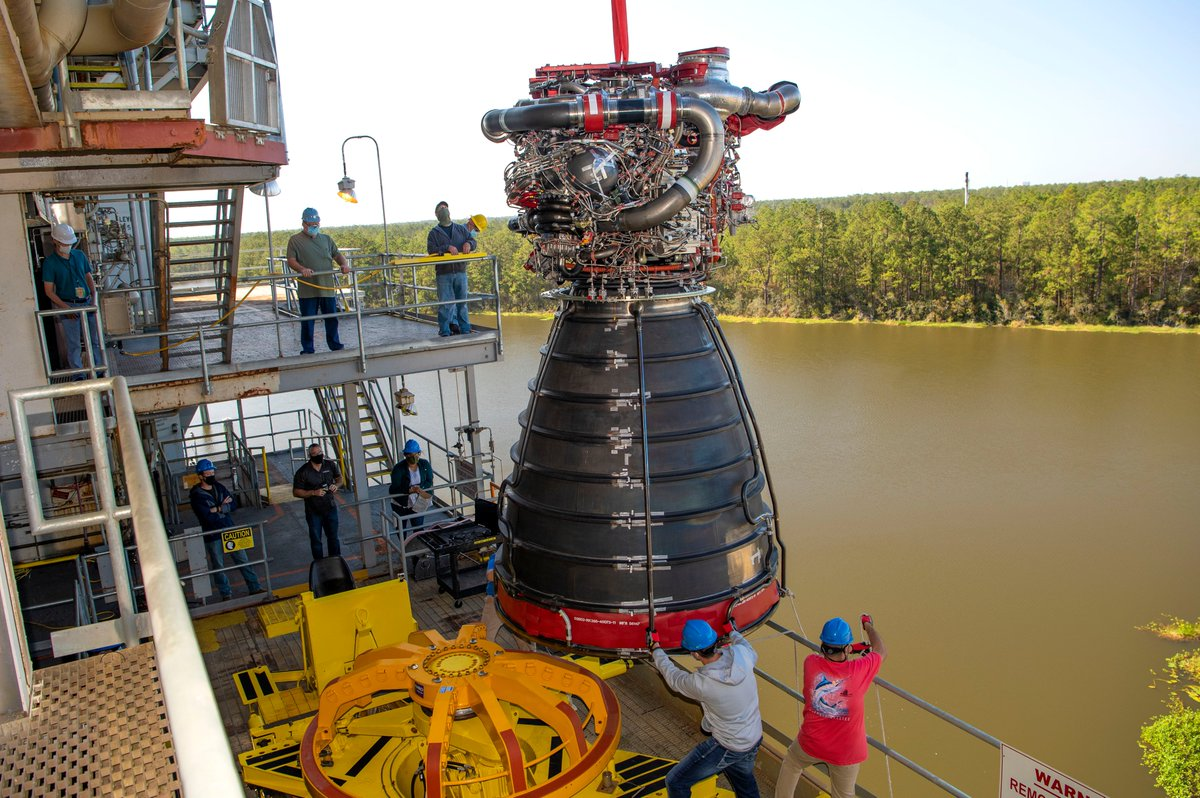 NASA installed a developmental RS-25 engine into the test stand at Stennis. This engine will be used in an upcoming test series to gather data and evaluate new components for development and production of new RS-25 engines for future #Artemis missions.