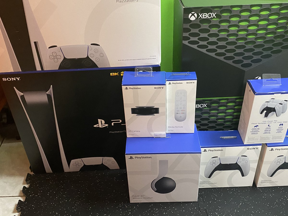 AlexRamiGaming - We are ready, @Playstation Digital & Regular, @Xbox Series X (2). What game should we stream first?