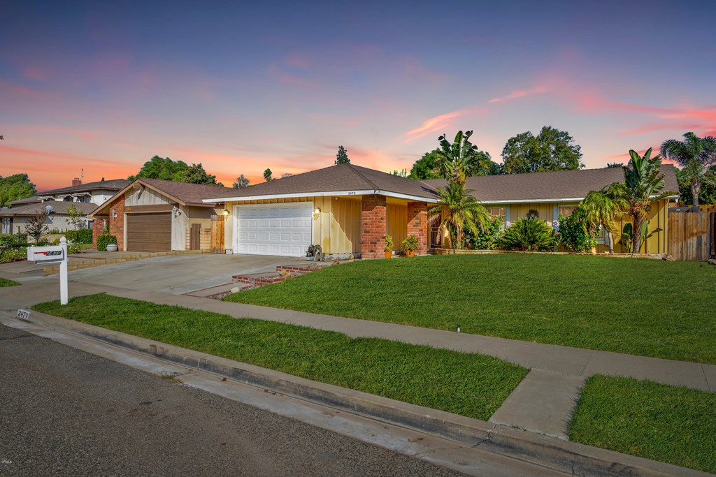 Ready for a change? This 3 BD/ 2 BA in Simi Valley won't be on the market long.