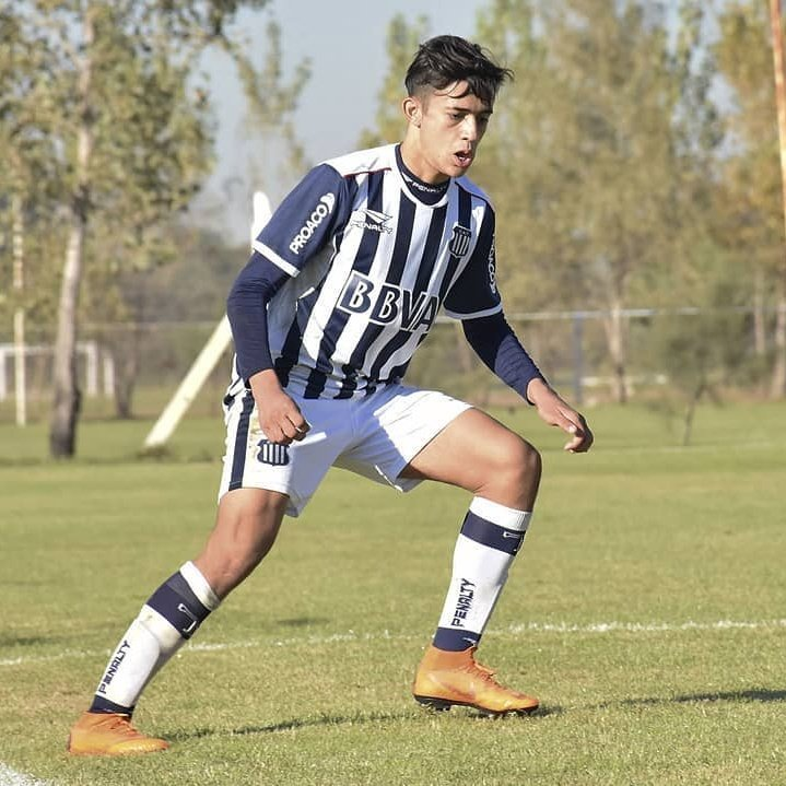 REFUERZO SORPRESA 😯 | Pablo Solari 🇦🇷 jugador de 19 años proveniente de Club Talleres de Córdoba de su país.  El delantero llega en calidad de préstamo hasta el 31 de enero del 2021 con posibilidad de extender su contrato en el Cacique ⚪⚫ https://t.co/dO5SOaYCFw