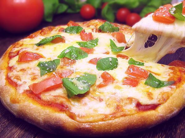 おはようございます☀ブログを更新しました📝《11月20日 ピザの日🍕》再現率高し!ハーゲンダッツ『クアトロフォルマッジ~4種のチーズとはちみつ🧀🍯ピザの日はピザを食べずにピザ味のアイスを堪能(笑)ハーゲンダッツの新作☆再現率高しで美味でした🧀素敵な週末を🍀