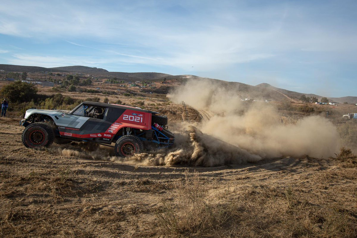 The #BroncoR channeling its inner @JohnBronco_66 out on course. #FordBronco #BuiltWild #Baja1000 https://t.co/6GbpPVlHCq