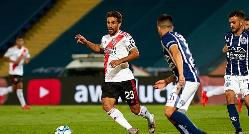 River Plate 2-0 Banfield EN VIVO: sigue MINUTO A MINUTO el duelo por la Copa de la Liga Profesional River Plate vs. Banfield EN VIVO   Juegan por la cuarta jornada de la Zona 3 de la Copa de la Liga Profesional de Fútbol de Argentin... https://t.co/qeHjrZi2Jf #PerúNoticias #Perú https://t.co/xSBYE3JwH5