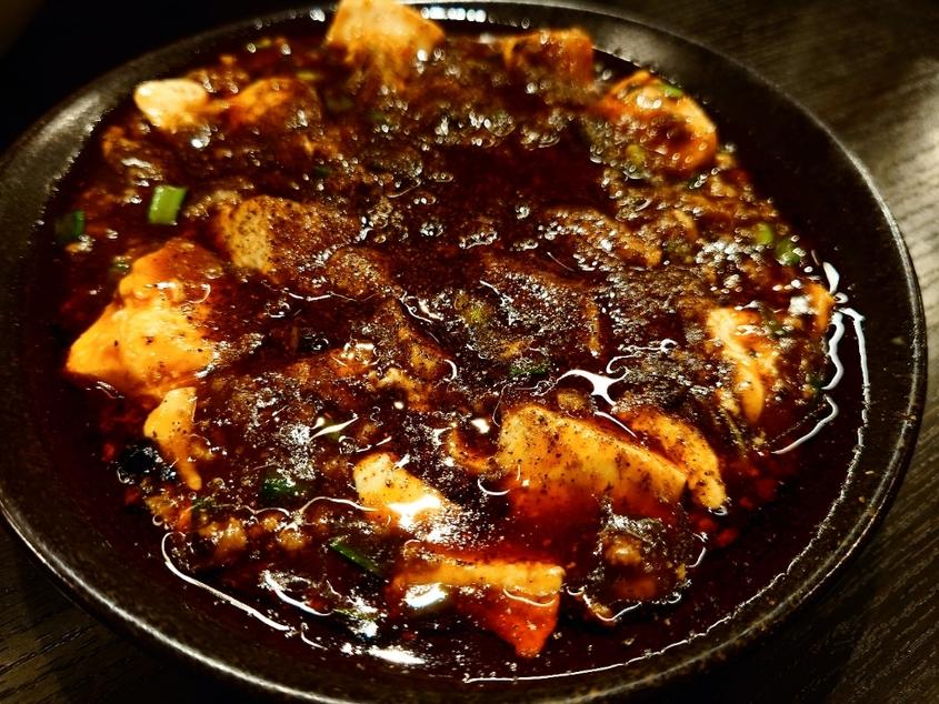 知多市の秀丸さんの麻辣麻婆豆腐は秀逸♬麻辣のシビレに辛味になぜか甘味まで絡まりあう複合旨味構造体に驚きを、鼻孔を吹き...  #tabelog