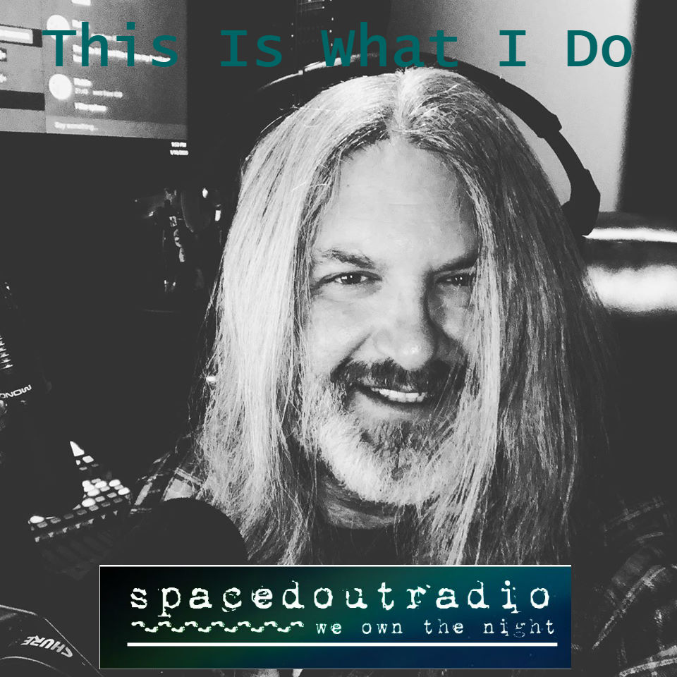 16 minutes until #SpacedOutRadio with @DaveScottSOR is live!  Zion Zeta talks #Aliens #ETEncounters #ETContact #Extraterrestrials #AlienAbductions #Contact at   #WeOwnTheNight @KpnlRadio @TalkStreamLive @ParanoiaMag @_ParanormalApp @Freedom_Slips