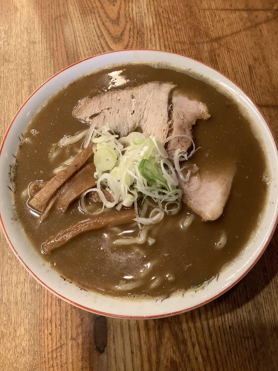 先ほどから「渡なべ」で、プチ限定「東京煮干し中華そば」を始めてます。本当は「青森煮干し中華そば」の予定だったのですが、どうにも青森の味にならず、、、東京にしました。仕込んだ分が無くなるまで(火曜日くらい?)です。通販もやってます。来週リベンジします。
