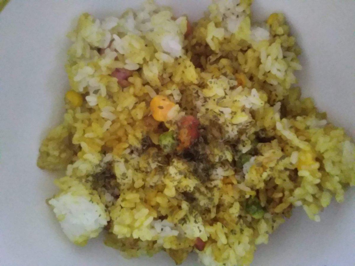 初めて『美味しい♡マヨカレーチャーハン♡』を作りました ( *´∀`)ノ(※「食事指導」で調味料人数分の半量のため、色がまばらです><)↓レシピは、こちらです☆
