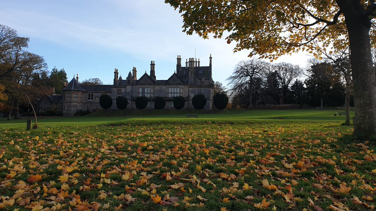 """""""A fallen leaf is nothing more than a summer's wave goodbye."""" Unknown We love this photograph by Nina Leonie of magical #LauristonCastle😍😍😍 #Edinburgh #ScottishCastles #Autumn #visitscotland"""