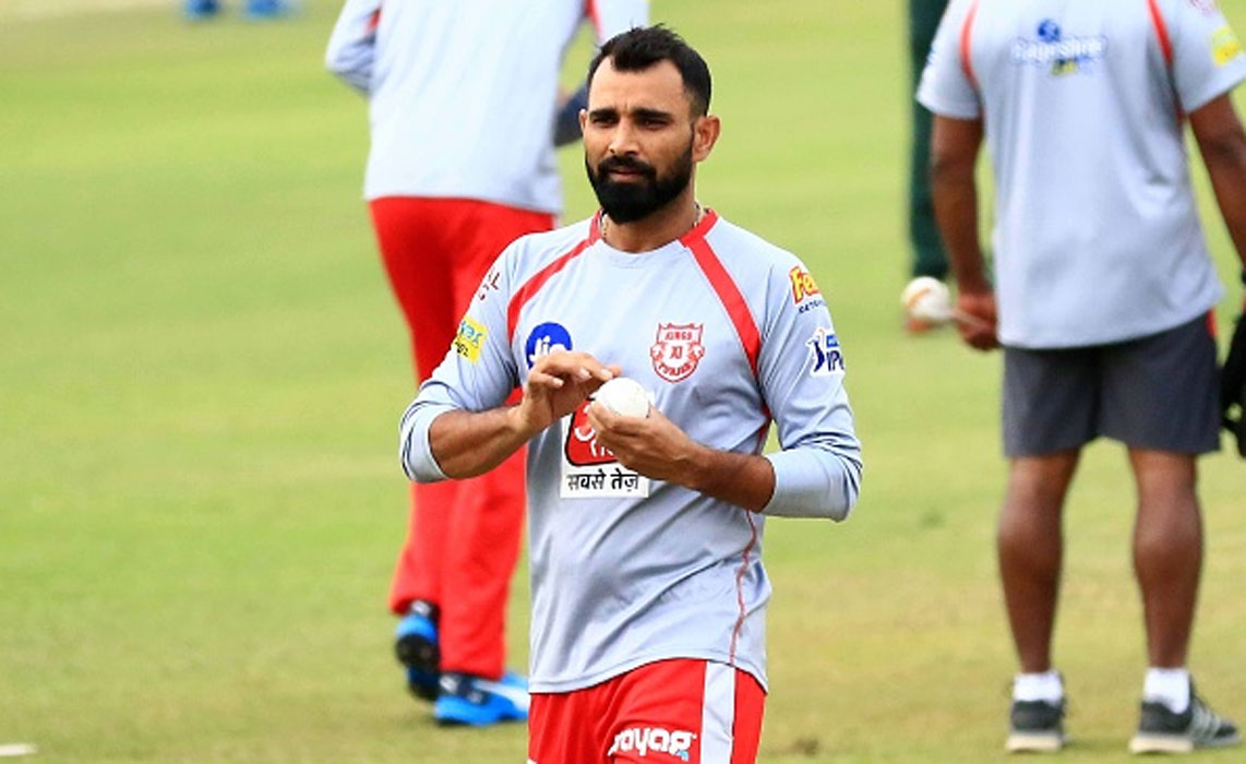 'Defending 5 runs against two most explosive batsmen is thoroughly satisfying'  - Mohammed Shami recalls epic twin super overs against Mumbai Indians.  READ ->